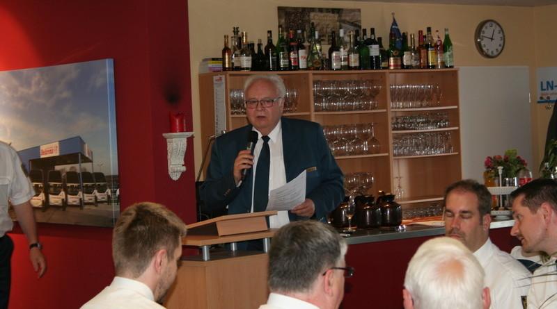 Bundesschatzmeister Peter Weiler berichtete aus der Arbeit der THW-Bundesvereinigung