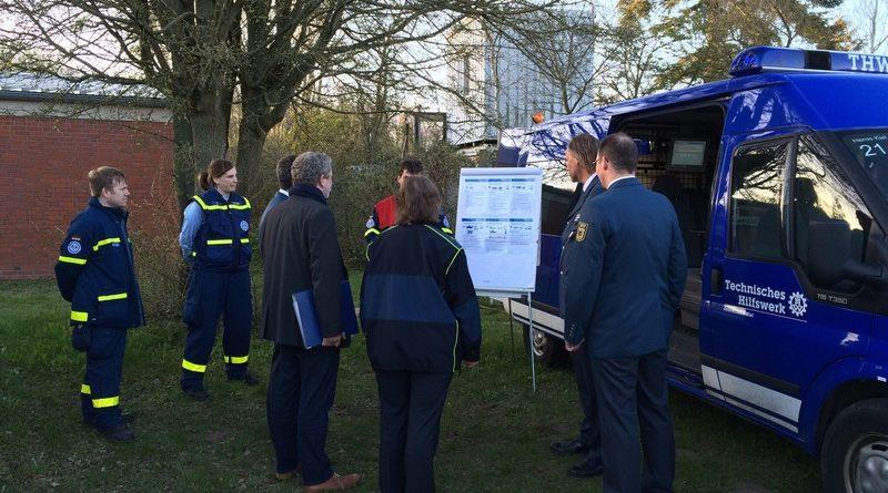 Die Mitglieder des Beirates erfahren etwas über die Aufgaben des Zugtrupps
